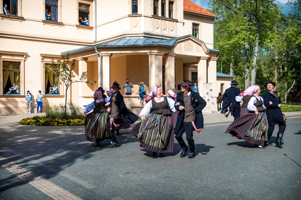 Palanga kviečia pasišokti – savaitgalį vyks tarptautinis liaudiškų šokių festivalis