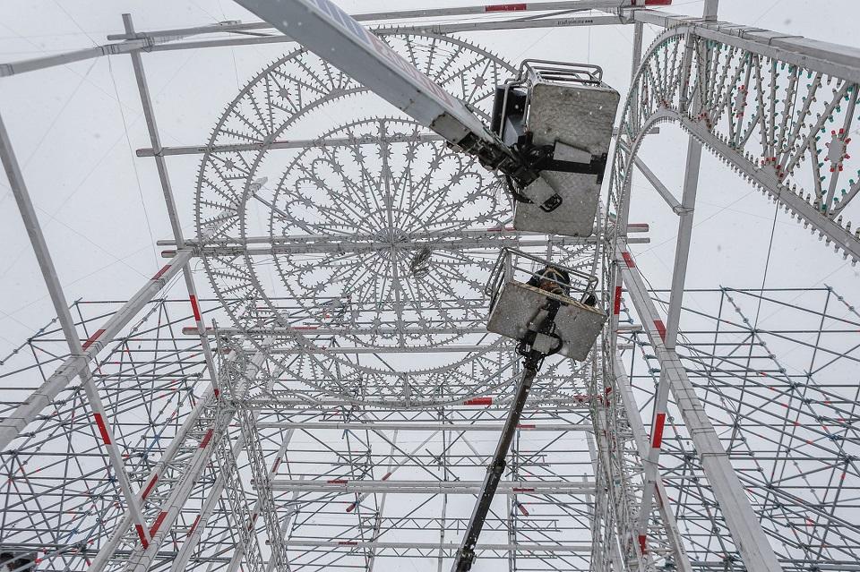 """""""Šviesų  festivalio"""" projektai – virš senamiesčio stogų"""
