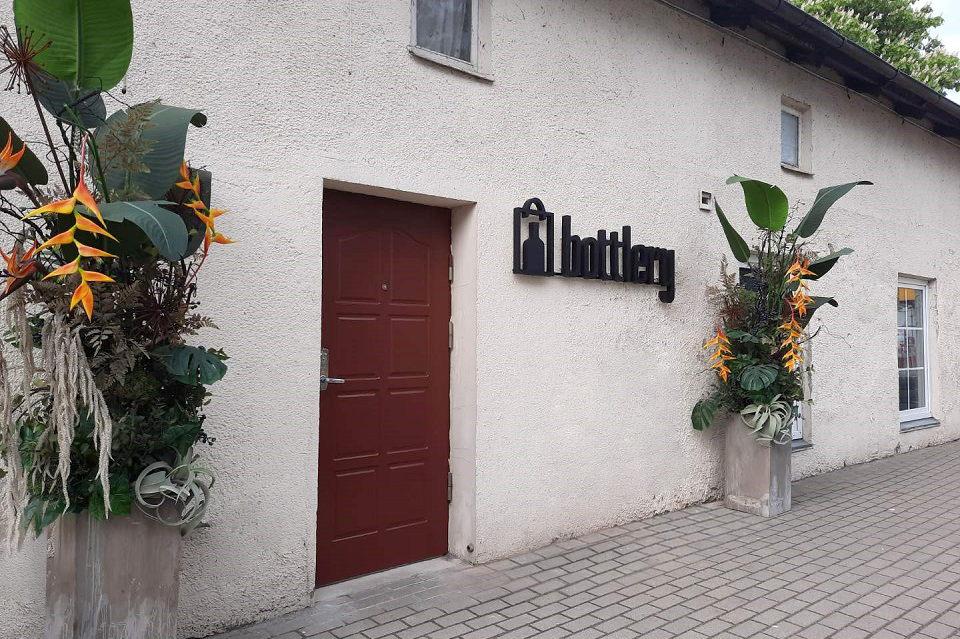 """Nidoje – pirmoji sezoninė """"Bottlery"""" parduotuvė"""