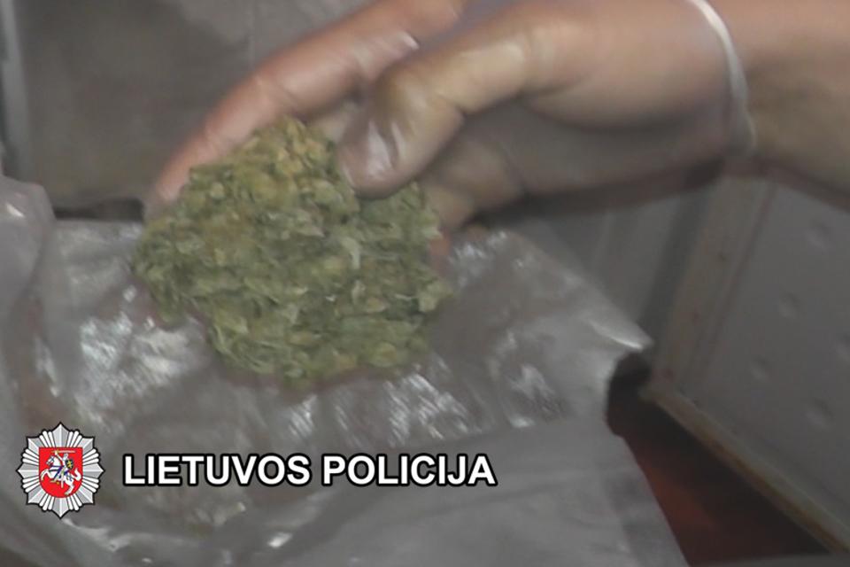Teisia narkotikų platintojus