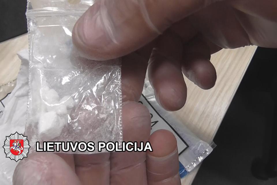 Lošimo namuose platino kokainą