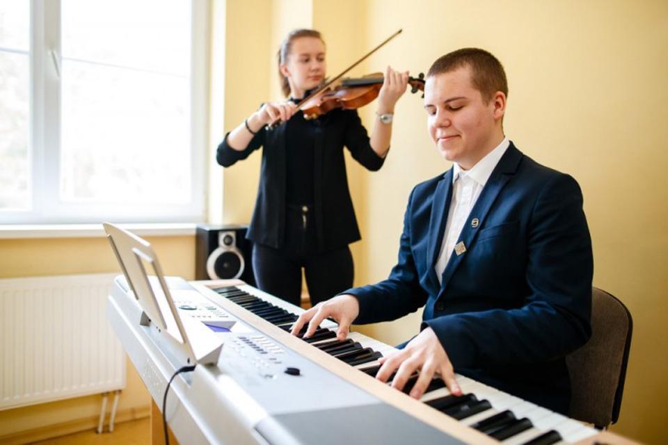 Nustatyta bendra tvarka priimant mokinius į ministerijai pavaldžias menų mokyklas