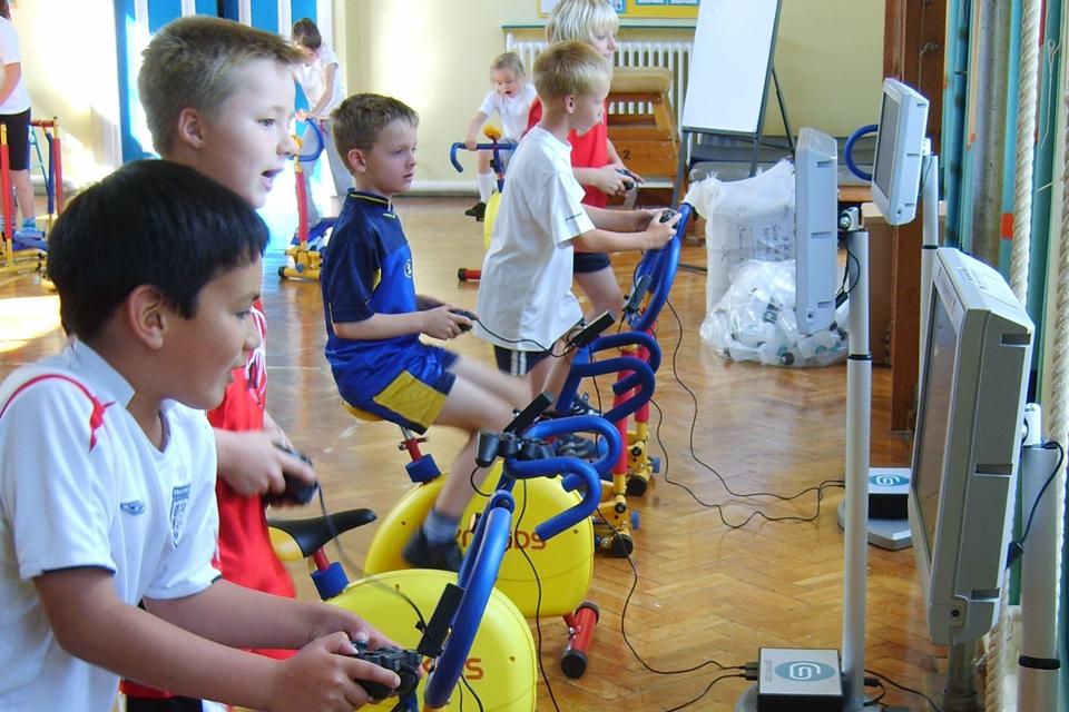 Vaikams svarbu kasdien aktyviai judėti bent 60 minučių