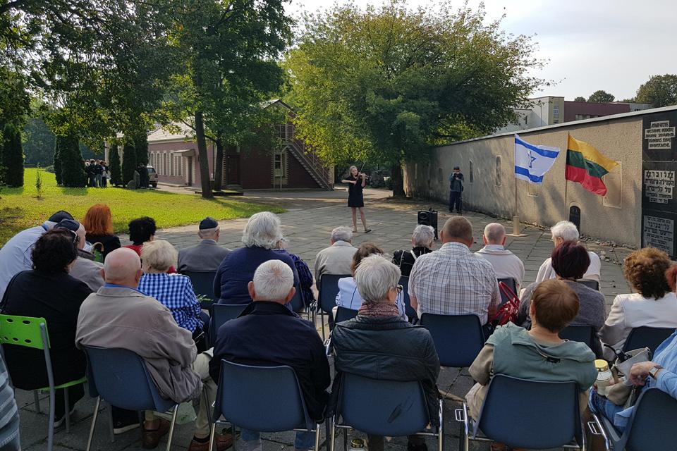 Prisiminė žydų genocido aukas