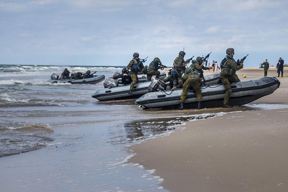 Lietuvos ir Portugalijos kariai vykdė išsilaipinimo operaciją