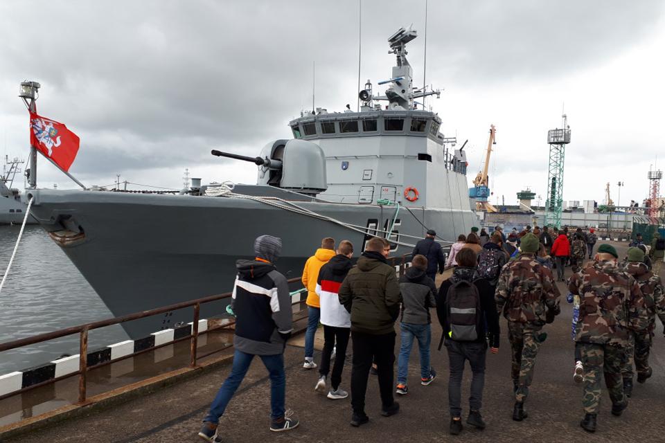 Karinės jūrų pajėgos atsivėrė moksleiviams