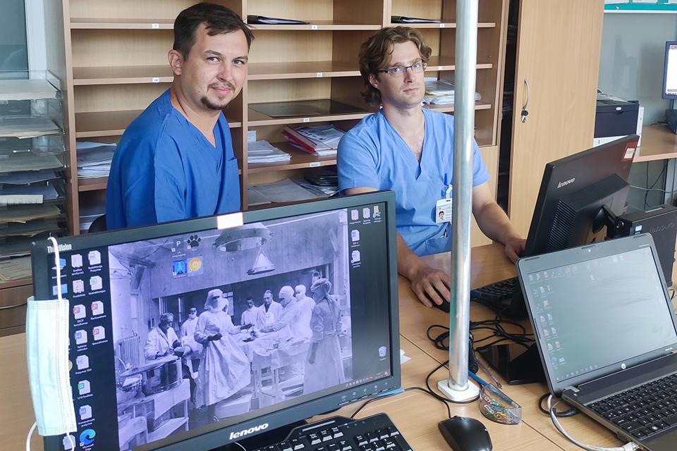 Pandemijos metu tyrė COVID-19 ir vakcinų įtaką operacijoms