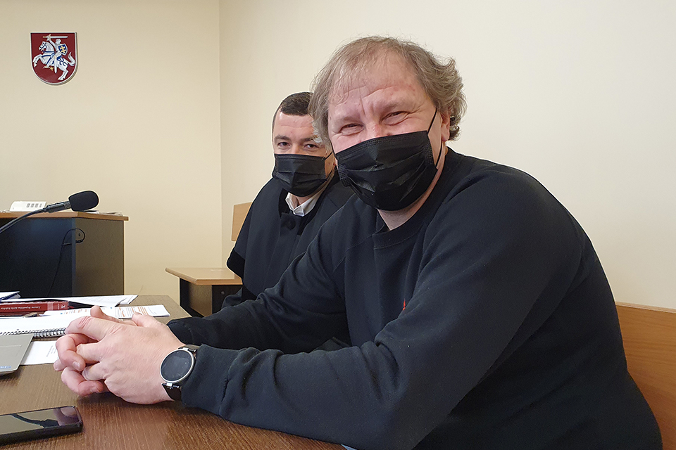 """""""Klaipėda"""" buvusį ilgametį jos žurnalistą padavė į teismą dėl 6 262 eurų"""