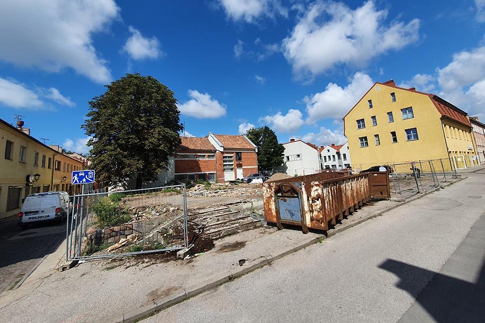 Pokyčiai senamiestyje: vietoj žalio baisuoklio – nauji butai