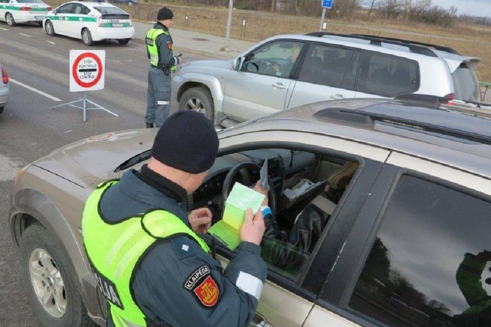 Gaudys mobiliaisiais kalbančius vairuotojus