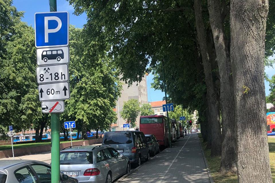 Kad turistinių autobusų vairuotojams nereikėtų sukti ratų
