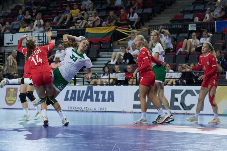 Lietuvos rankininkės kovos tik dėl trečios vietos