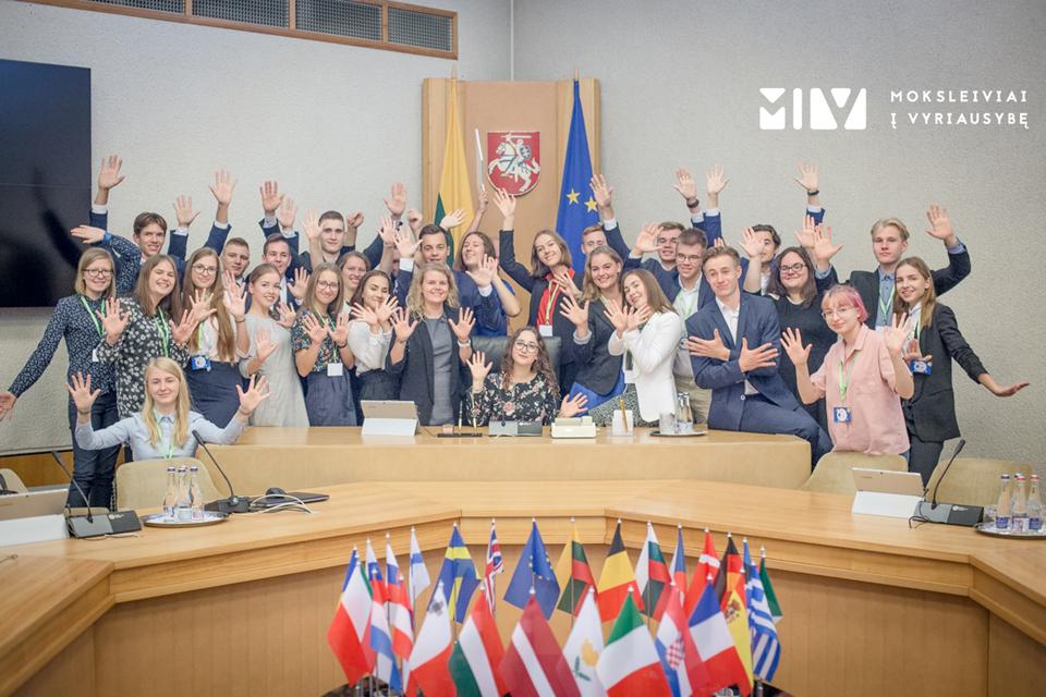 Vyriausybės projekte – ir Klaipėdos licėjaus absolventai