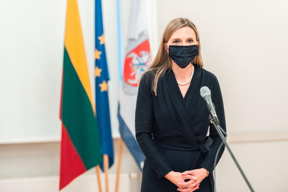 Ministrė COVID-19 neužsikrėtė