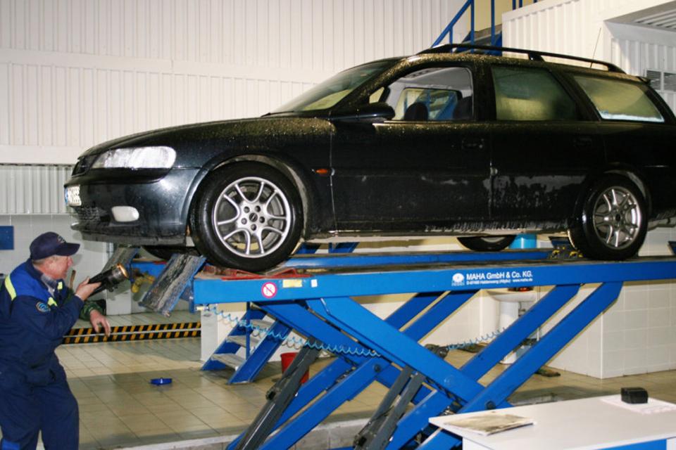 Dėl karantino automobilių techninę apžiūrą bus galima atlikti vėliau