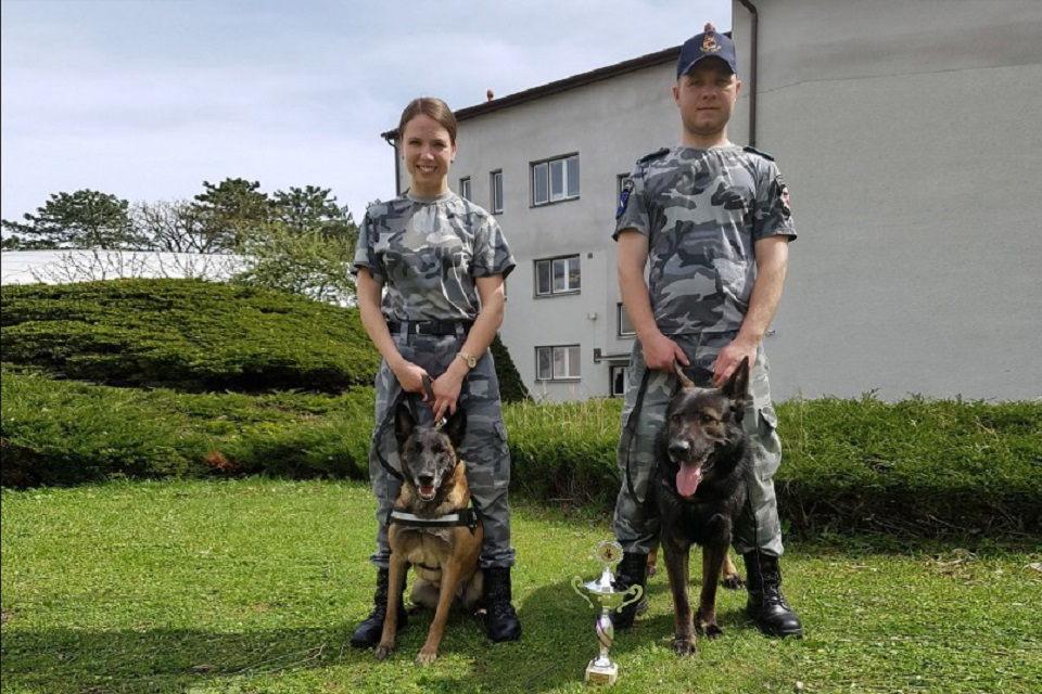 "Policininkė Vita didžiuojasi ""policininke"" Troja"