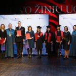 Universiteto absolventams įteikti diplomai