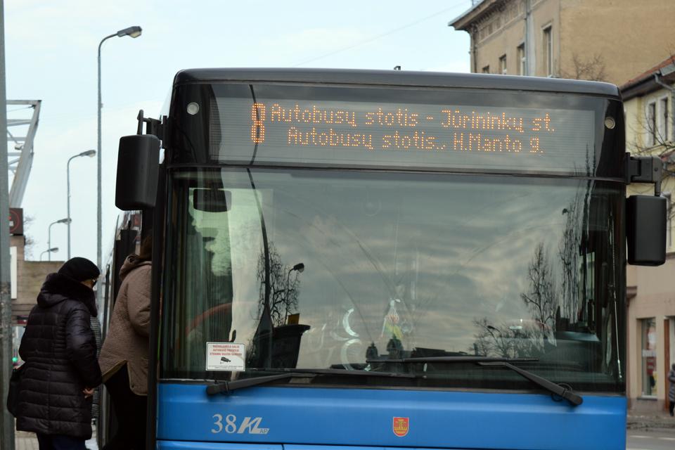 Antradienio rytą trijų maršrutų autobusai važiuos kitaip