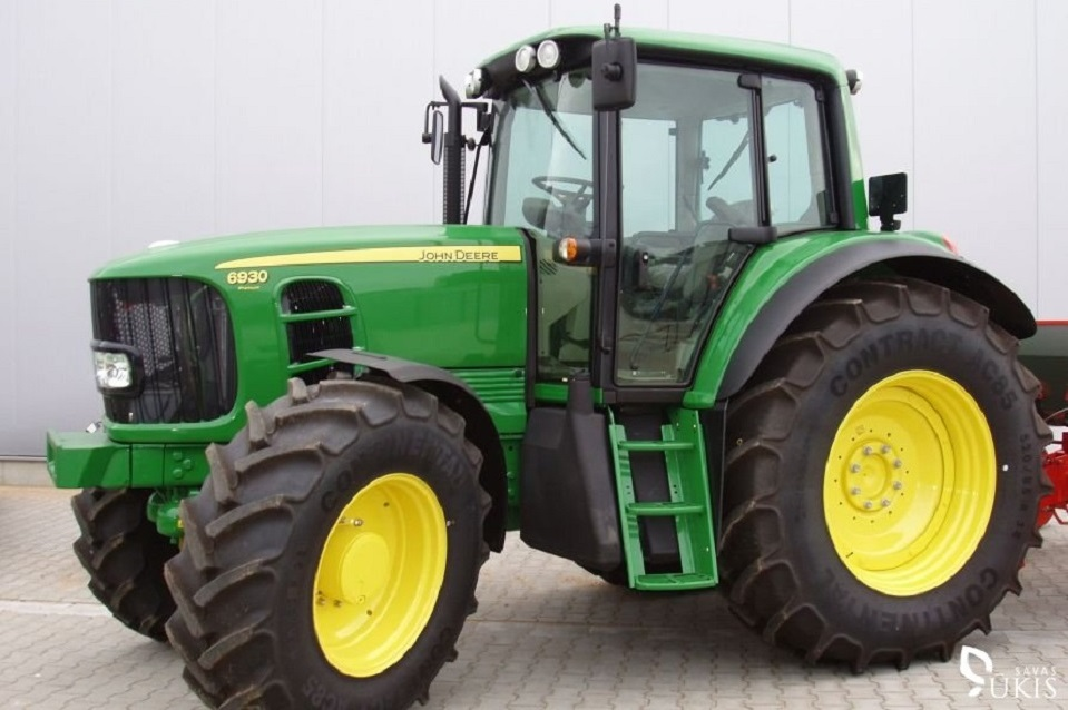 Bendrovės patalpose – vogtas traktorius?