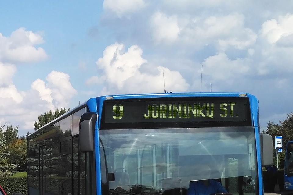 Už autobuse sulaužytą  ranką – 1000 eurų kompensacija