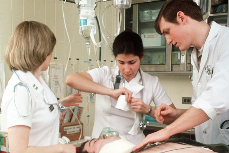 Lietuviai savo vaikams linki tapti medikais