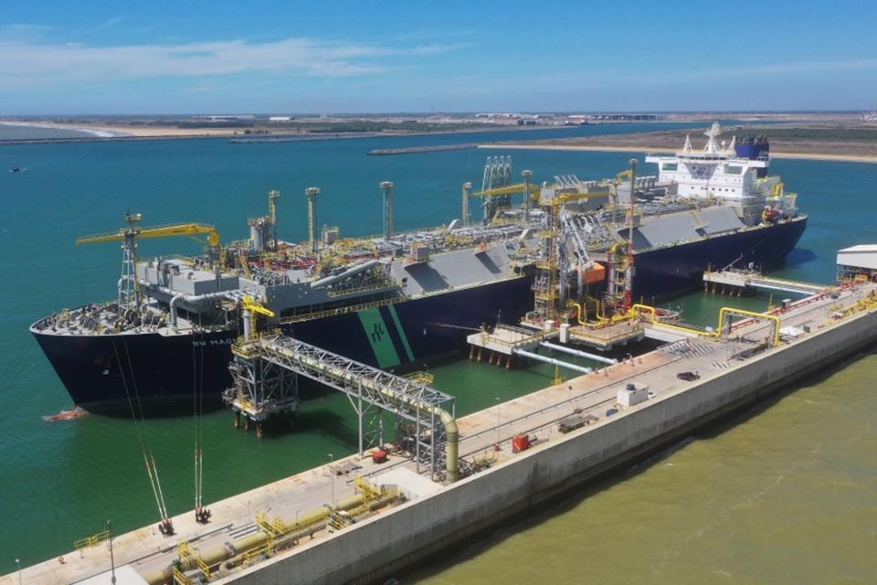 """""""Klaipėdos naftos"""" operuojamas Brazilijos SGD terminalas pradėjo komercinę veiklą"""