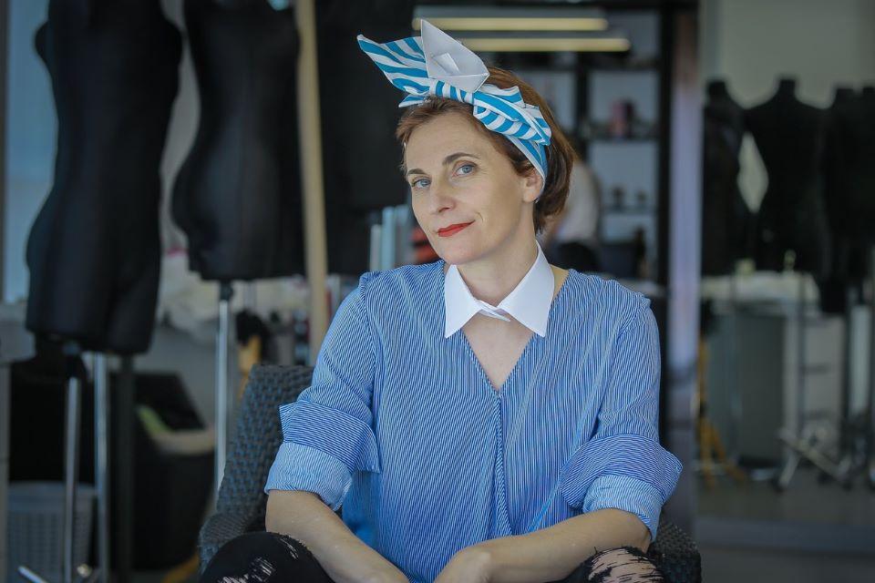 Dizainerė pataria, kaip aprangoje pritaikyti mėlyną spalvą