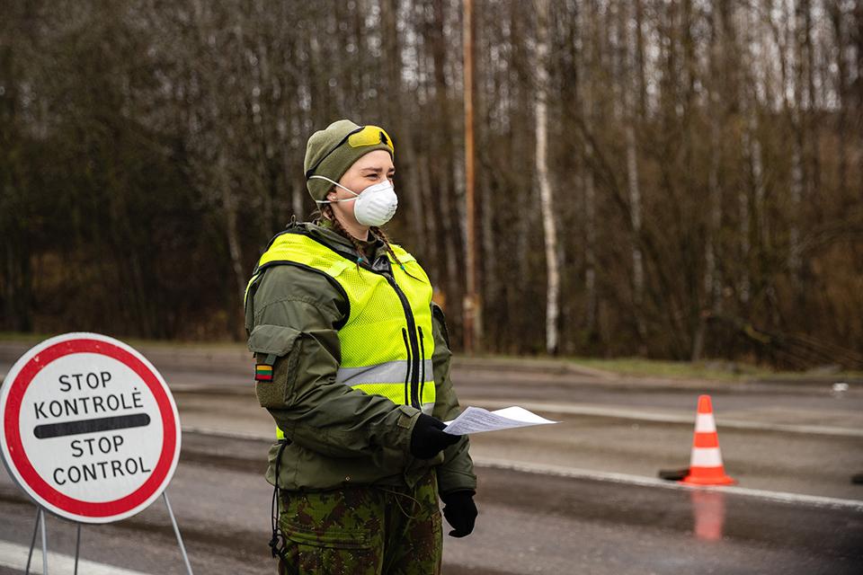 Savanoriai padės specialistams Klaipėdos uoste ir Palangos oro uoste