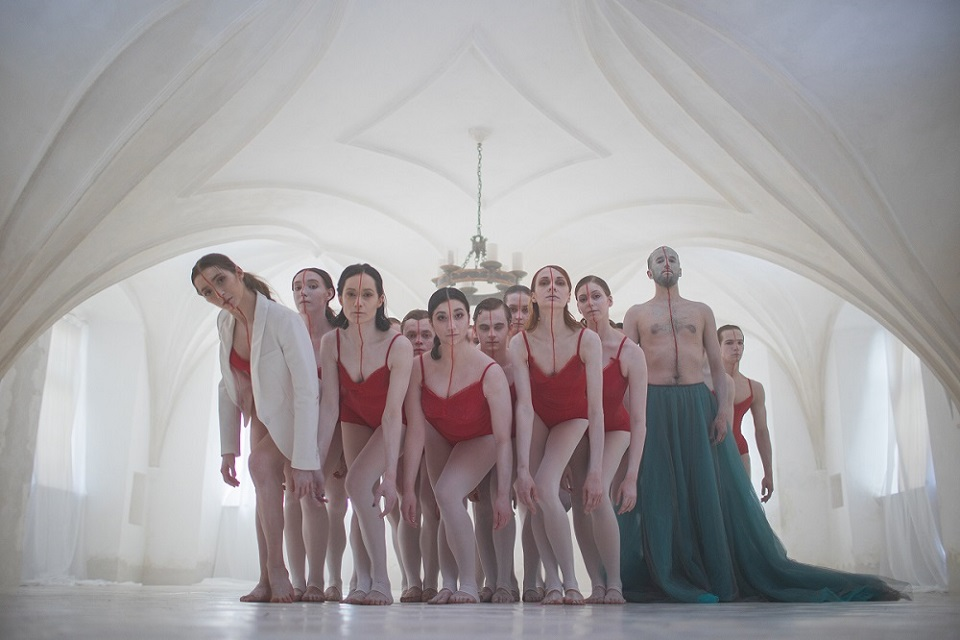 Atlaisvinus karantiną baletą pristato gyvai