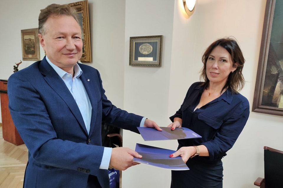 """Pratęsė KU ir """"Baltijos"""" gimnazijos bendradarbiavimo sutartį"""