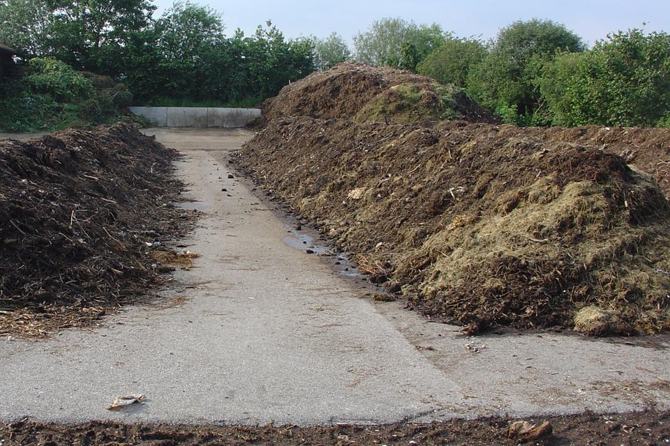 Apynasrio kompostuotojams uždėti nepavyko