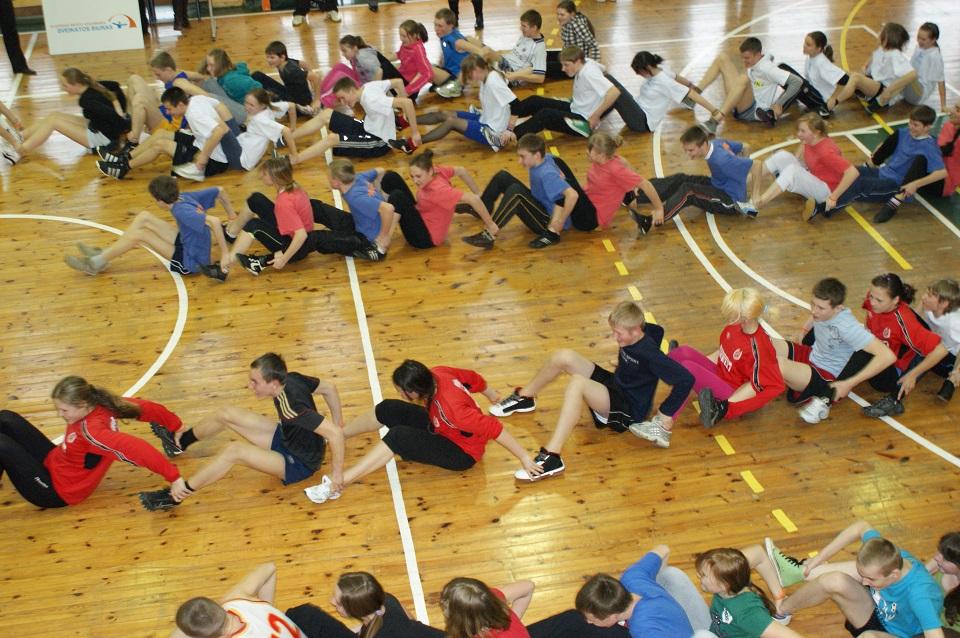 Sportuojantys vaikai sudarys trispalvę bangą