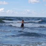 Jūros trauka draudžia mėgautis bangomis