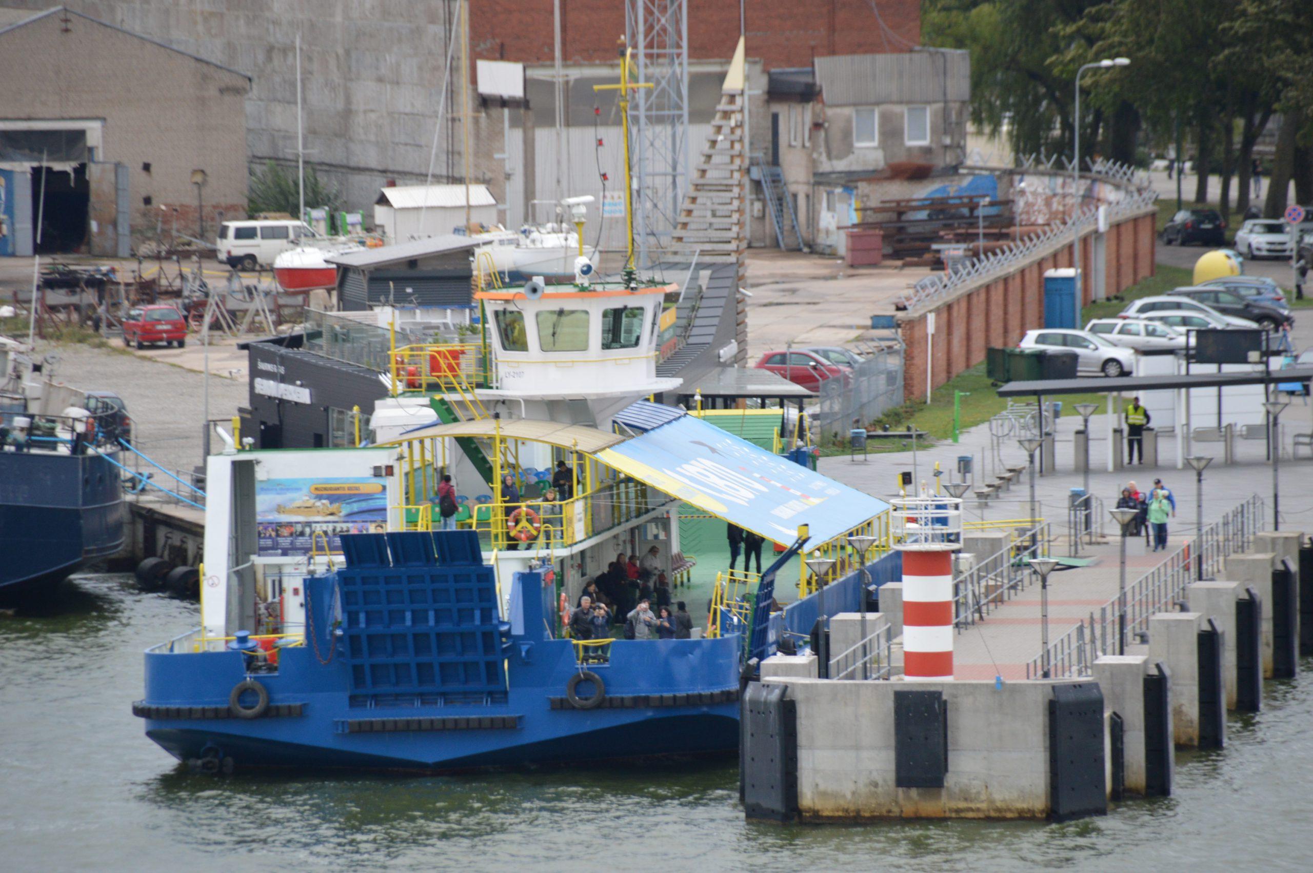 Жители Клайпеды возмущены из-за остановки паромного сообщения на старой переправе