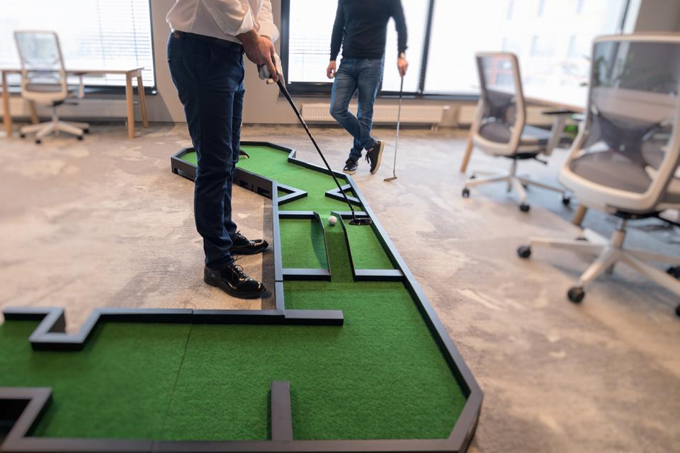 Pristatant vidaus patalpų golfo takelius sieks rekordo