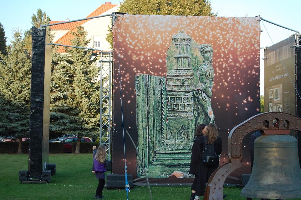 Klaipėdos senamiestyje prabilusi krosnis žiūrovų nesužavėjo