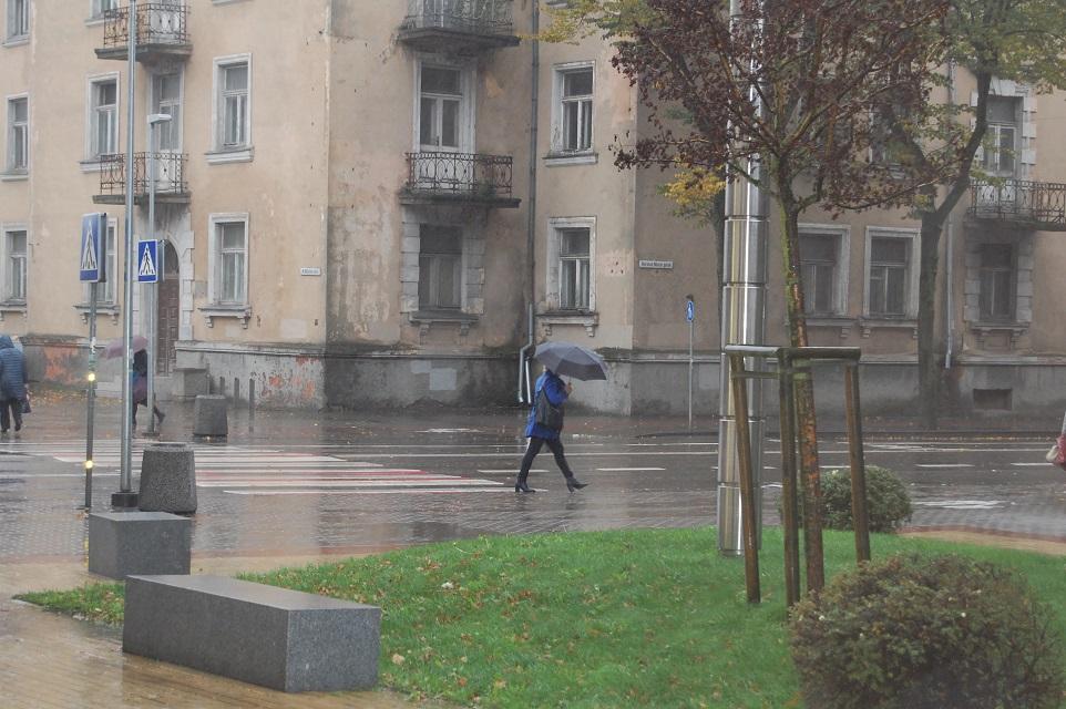 Į Klaipėdą grįžta lietūs ir vėjai