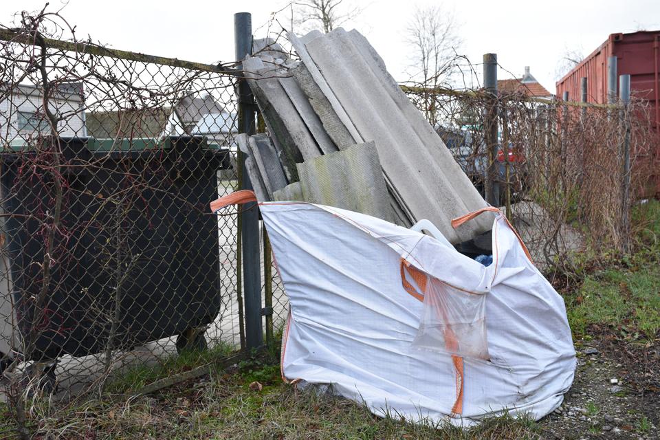 Asbesto tvarkymas: pažadėjo – patiešijo