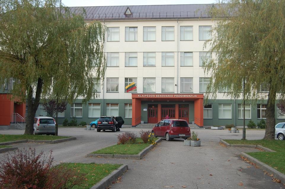 Įvykiai prie mokyklos Klaipėdoje atsirito iki Vilniaus