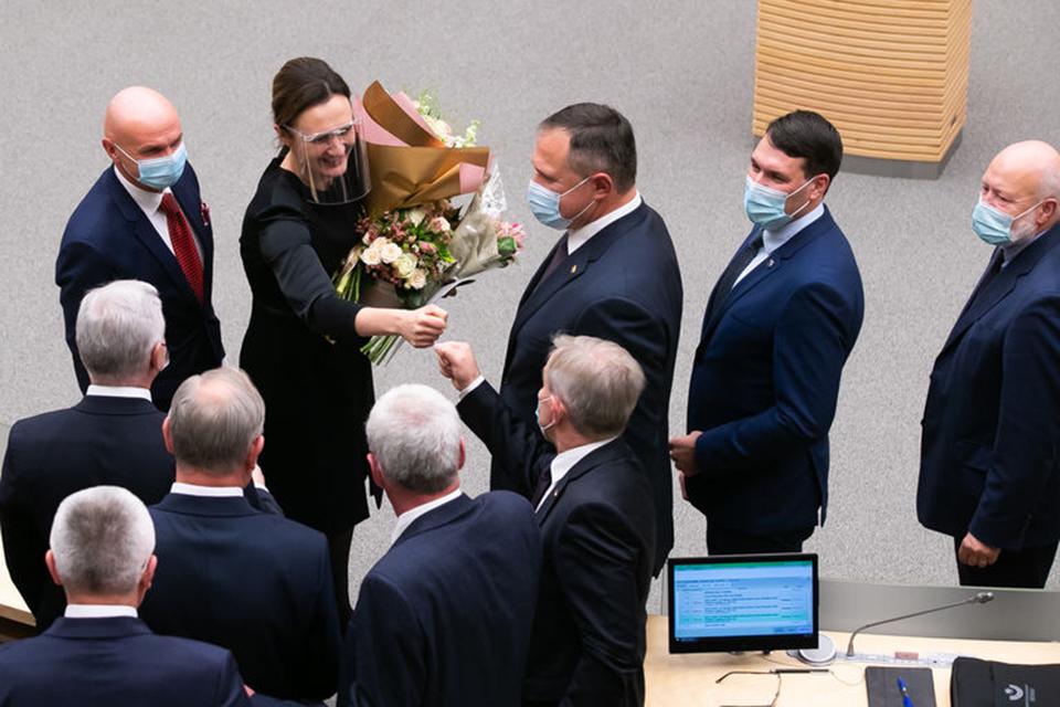 COVID-19 įsisuko ir Seime