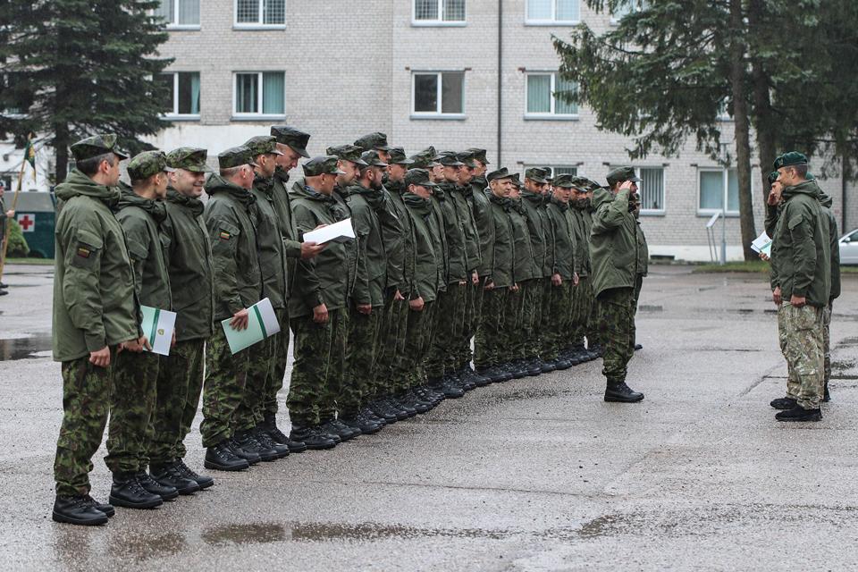 """Brigadoje """"Žemaitija"""" žinias ir įgūdžius atnaujino apie 350 rezervo karių"""