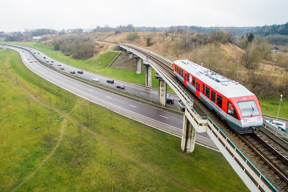 Velykų proga – ilgesni traukiniai