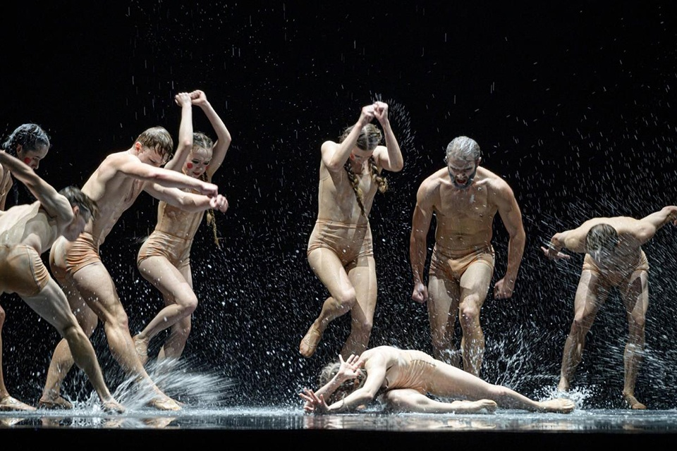 Istoriniame elinge – šokio premjeros
