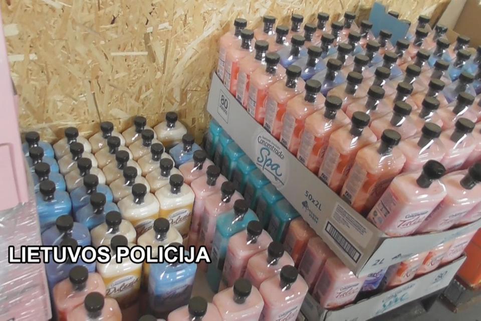 Kriminalistai aptiko  alkoholio, dyzelino ir kitų   nelegalių prekių sandėlį