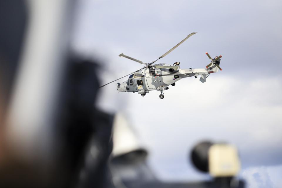 Baltijos jūroje treniravosi valdyti orlaivių atakas