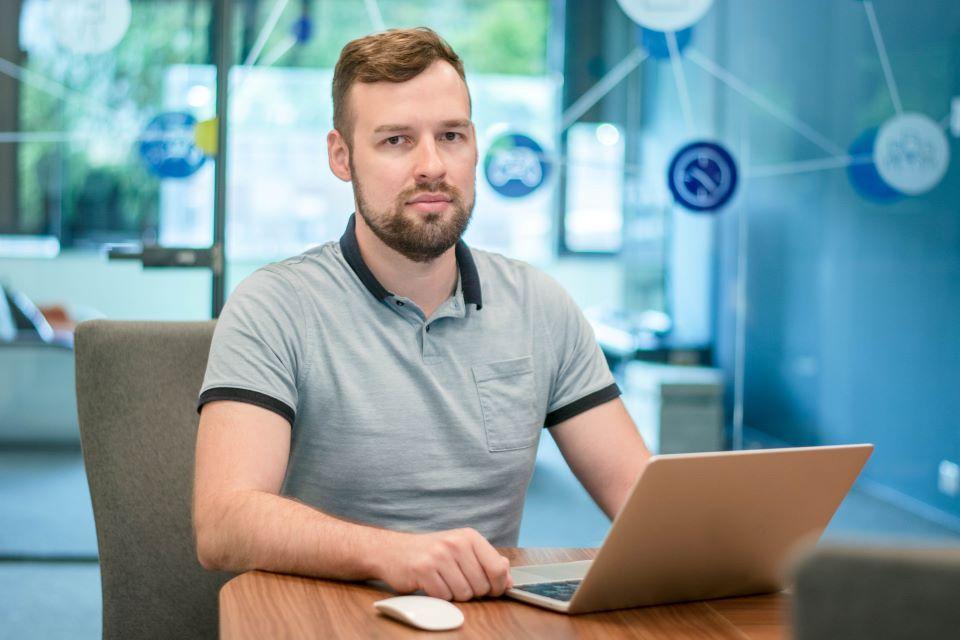 """""""Bankera"""" steigia padalinį Klaipėdoje – ieško patyrusių programuotojų"""