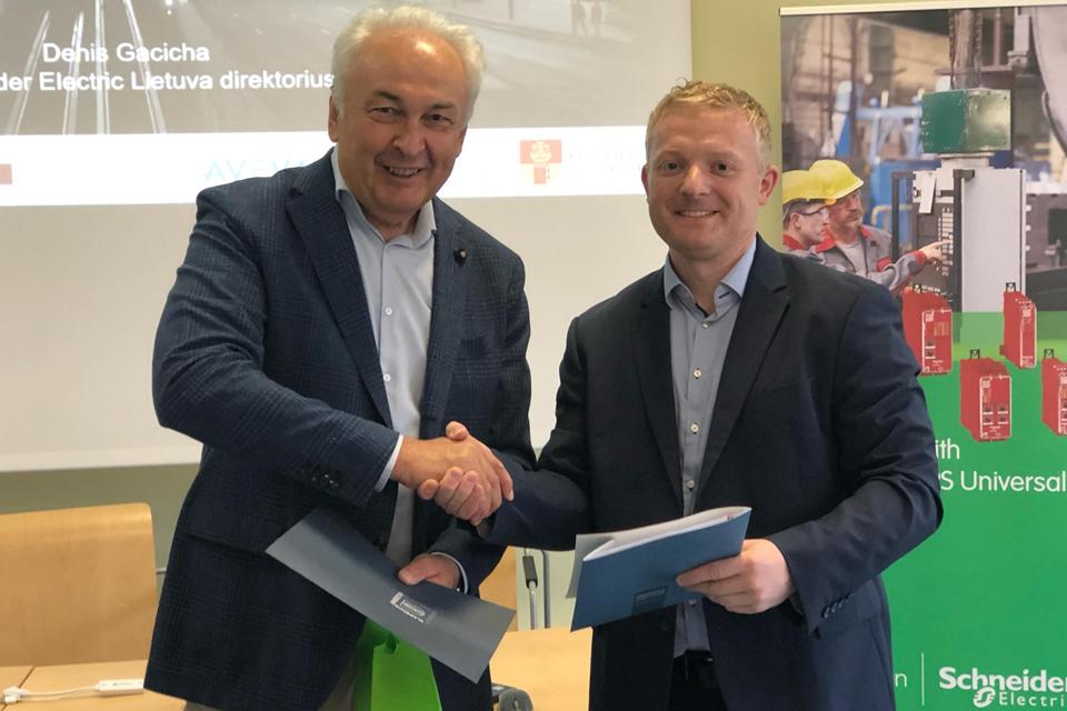 "Klaipėdos universitetas ir ""Schneider Electric"" stiprins jaunimo technologinius gebėjimus"