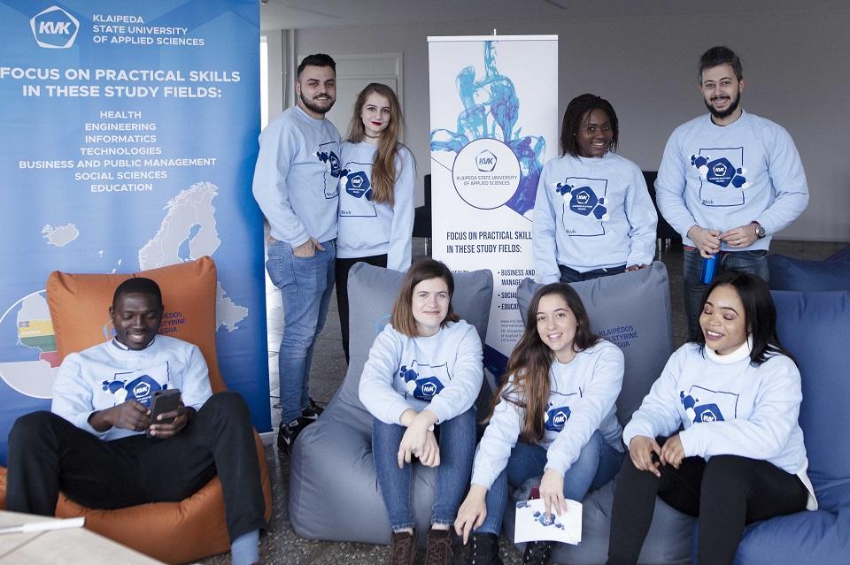 Kolegija atvira studentams iš viso pasaulio