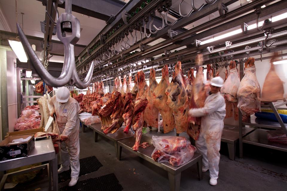 Kretingalės mėsininkai vis dar galynėjasi su bankrotais