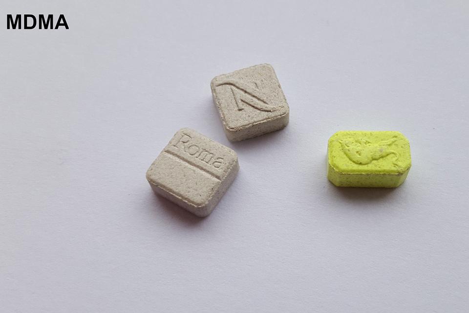 Už vieną nepilnamečiams parduotą ekstazio tabletę  – reali laisvės atėmimo bausmė